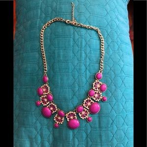 Jewelry - PRETTY PINK AND GOLD STATEMENT PIECE!